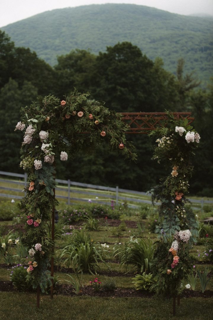 Here is an assortment of our favorite lush ceremony wedding flowers by Nectar and Root, Vermont wedding florist.