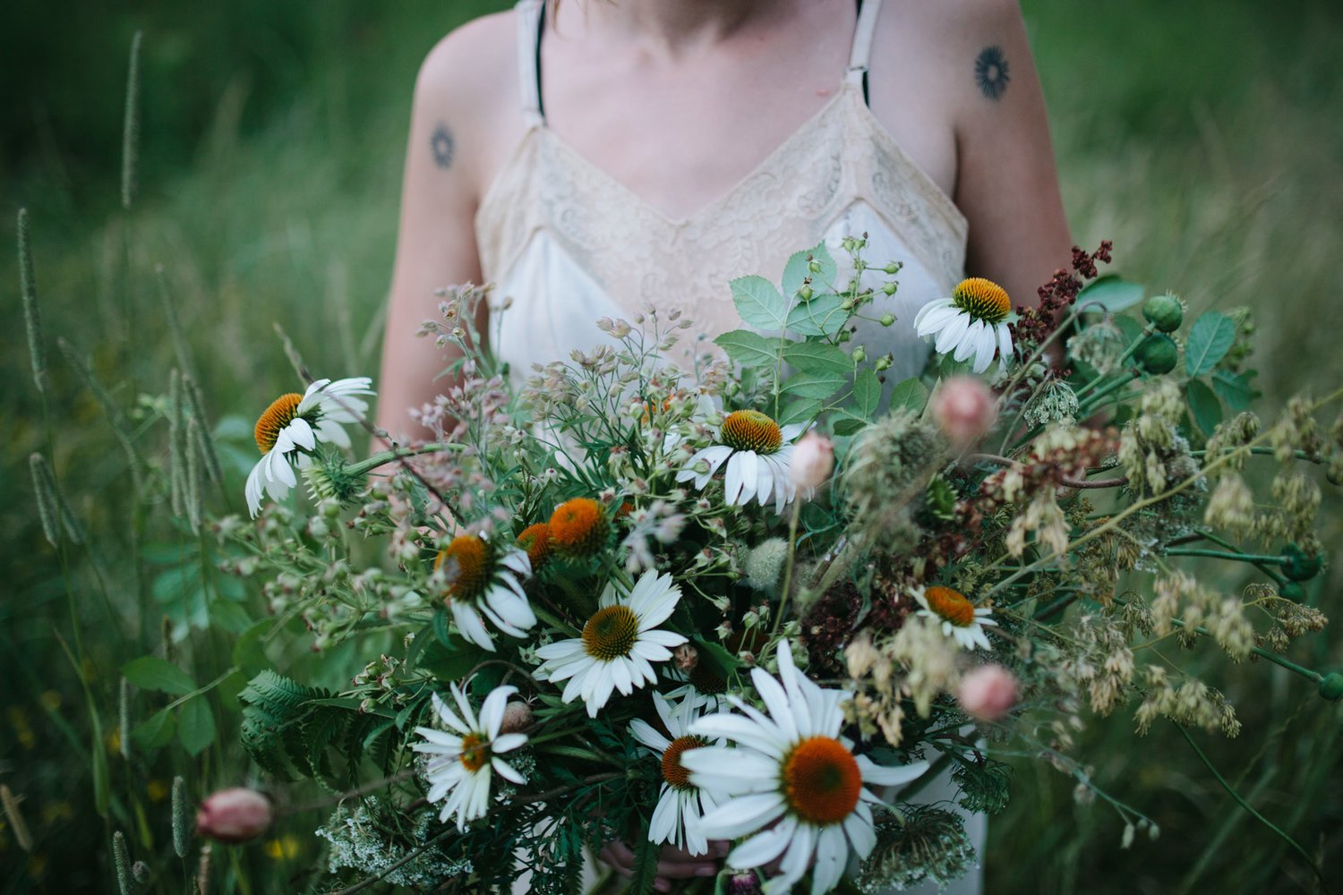 Here is an assortment of our favorite lush summer wedding flowers by Nectar and Root, Vermont wedding florist.