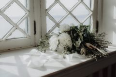 Here is an assortment of our favorite lush winter wedding flowers by Nectar and Root, Vermont wedding florist.